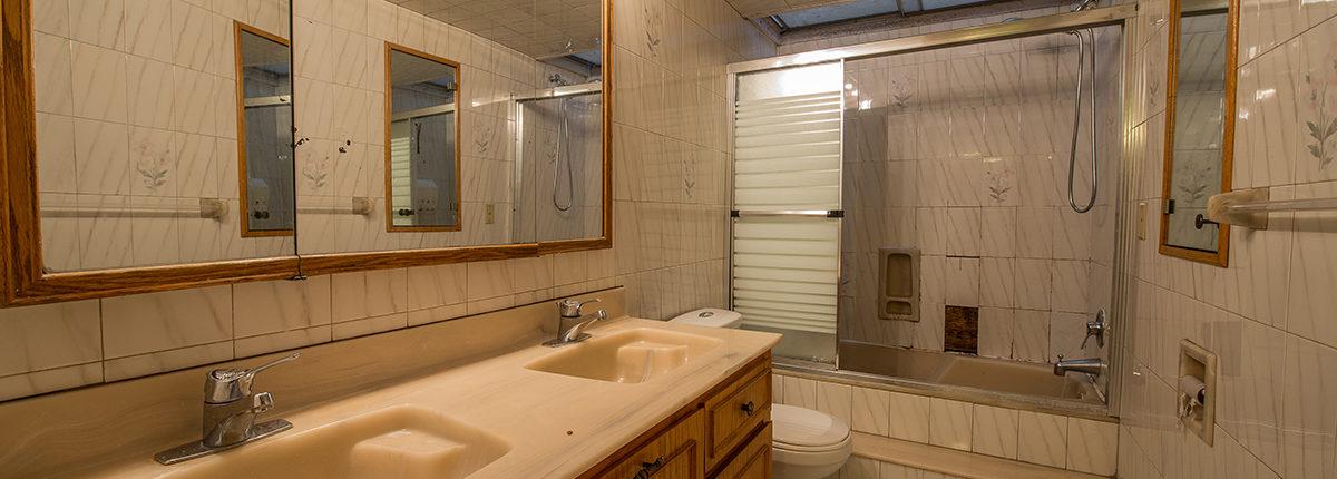 Salle de bain avant Créa-Nova